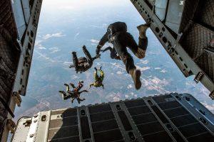 parachute-1242426_1920