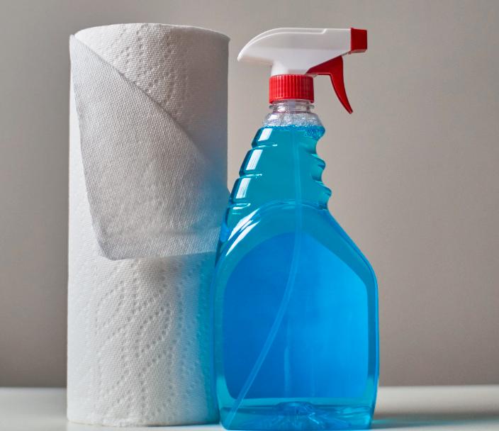 Nettoyant et sopalin ménage